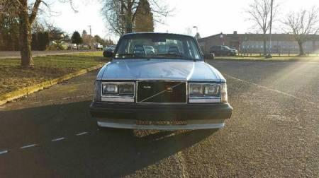 1983 Volvo 244 Turbo front
