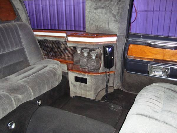 Fomoco Tuesday 1986 Lincoln Town Car Limousine Rusty But Trusty