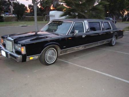 1986 Lincoln Town Car limo left front