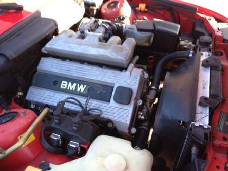 1991 BMW 318i engine