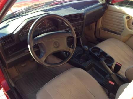 1991 BMW 318i interior