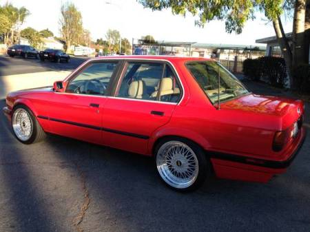 1991 BMW 318i left rear