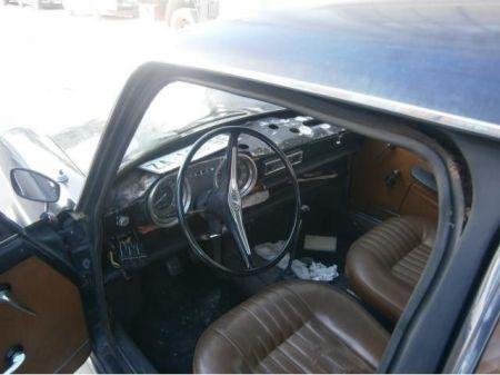 1965 Innocenti-Morris IM3 interior