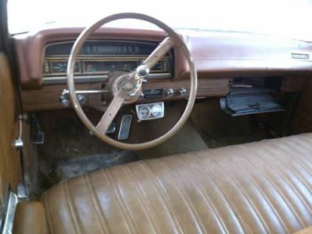 1971 Ford Torino Squire interior