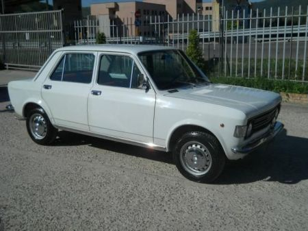 1972 Fiat 128 Berlina right front