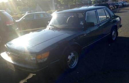 1983 Saab 900 sedan left front