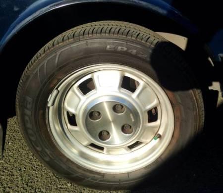 1983 Saab 900 sedan wheel