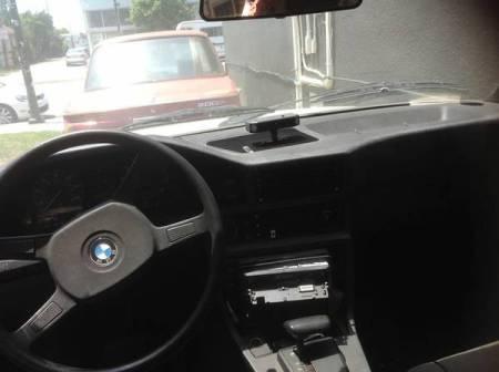 1985 BMW 520i interior