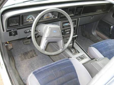 1985 Ford LTD LX interior