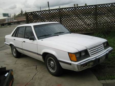 1985 Ford LTD LX right front