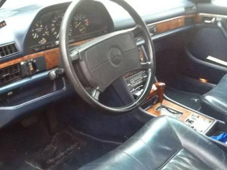 1986 Mercedes 560 SEL interior