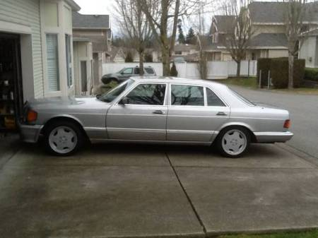 1986 Mercedes 560 SEL left side