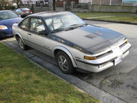 1988 Pontiac Sunbird GT Turbo right front