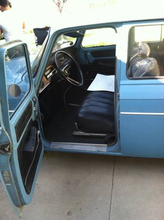 1967 Renault R10 interior
