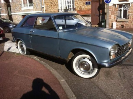 1969 Peugeot 204 coupe right front
