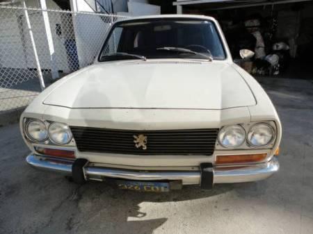 1970 Peugeot 504 front