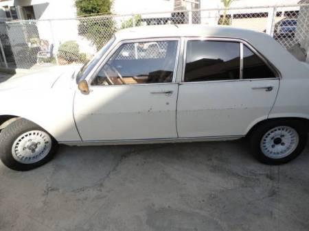 1970 Peugeot 504 left