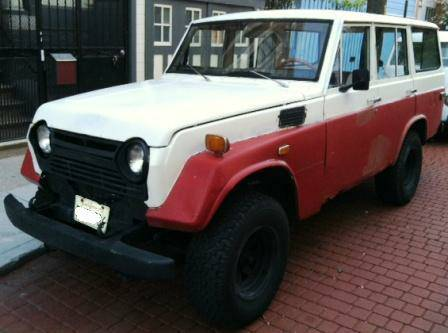 1973 Toyota Land Cruiser FJ55 left front
