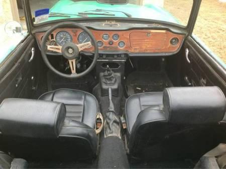 1976 Triumph TR6 interior