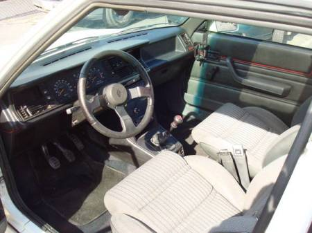1987 Renault GTA 2 interior