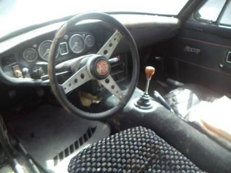 1968 MG BGT interior