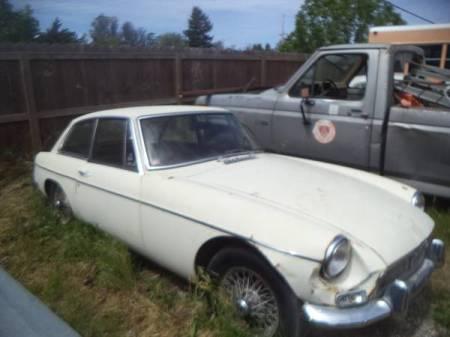 1968 MG BGT right front