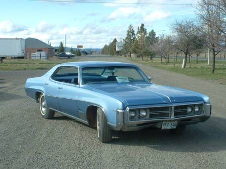 1969 Buick Wildcat right front