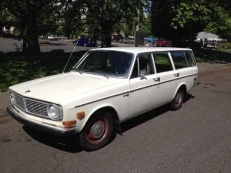 1969 Volvo 145S left front