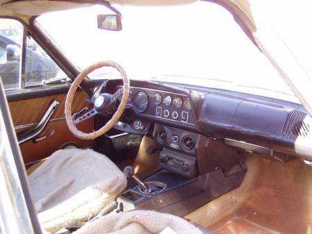 1972 Fiat 124 Coupe beige interior