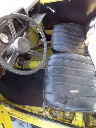 1972 Honda AZ600 interior