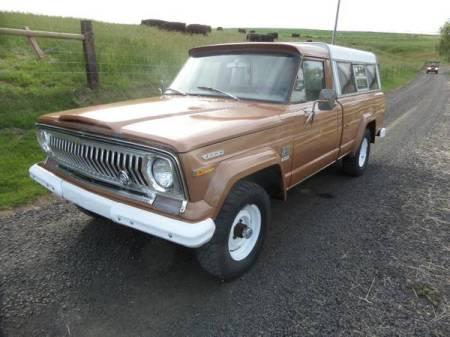 1973 Jeep J2000 left front