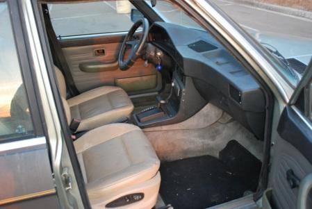 1983 BMW 525e interior