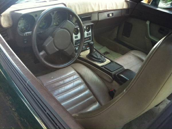 No oxymoron 1985 porsche 944 rusty but trusty for Porsche 944 interieur