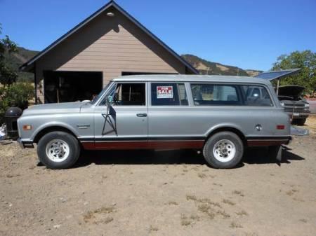 1969 Chevrolet Suburban left side
