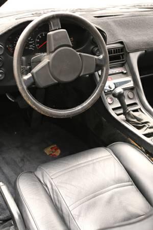 1979 Porsche 928 interior