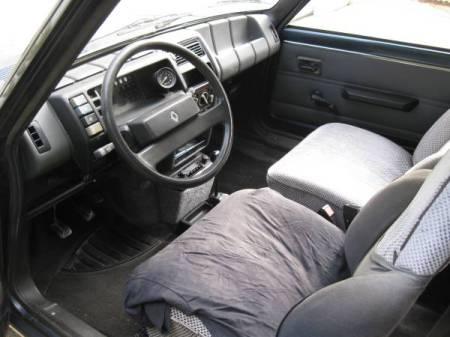 1983 Renault LeCar interior