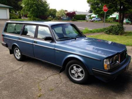 1983 Volvo 245 Turbo right front