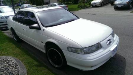 1994 Ford Taurus SHO right front