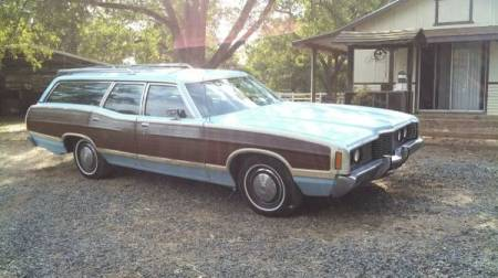 1972 Ford LTD Crown Victoria Country Squire right front