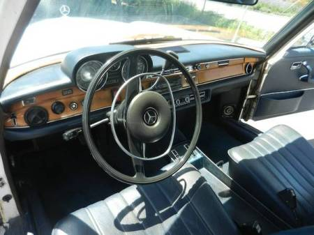 1973 Mercedes 280SE 4.5 interior front