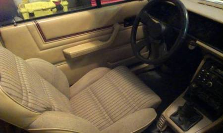 1987 Renault GTA convertible interior