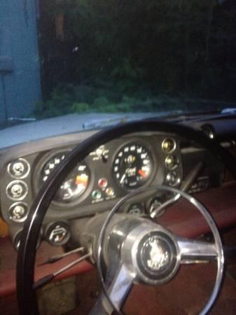 1965 Rover P5 Coupe interior