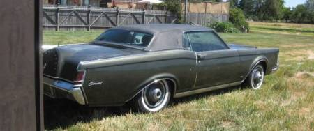 1969 Lincoln Continental Mark III right rear