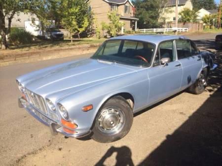 1972 Jaguar XJ6 left front