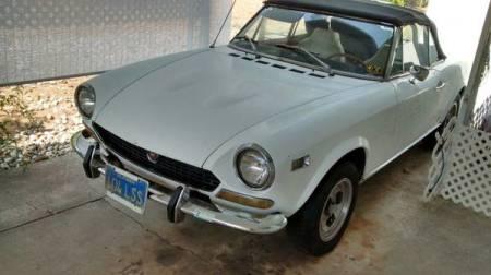 1973 Fiat Spider left front