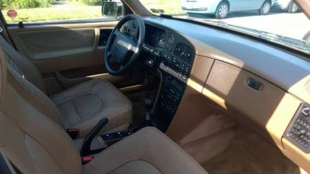 1989 Saab 9000 turbo interior