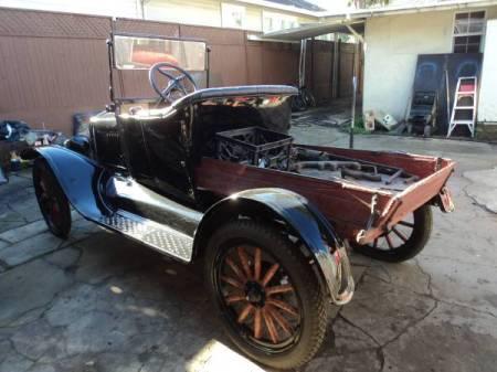 1922 Ford Model T left rear