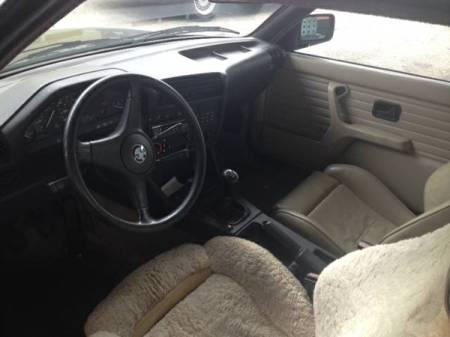 1985 BMW 325e interior