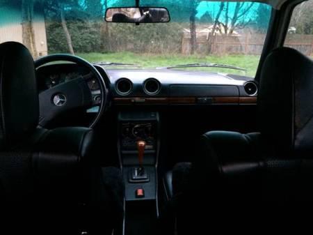 1977 Mercedes 230 interior