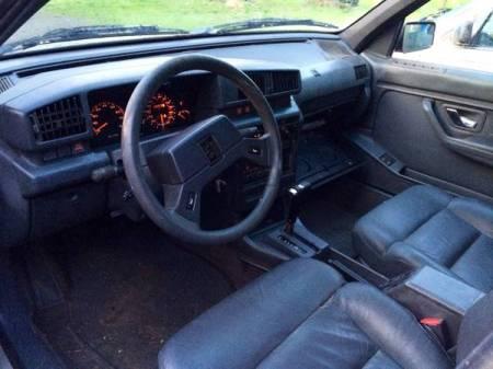 1990 Peugeot 405 interior